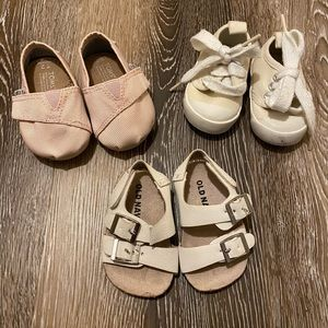 Infant Baby Toms, Gap, & Old Navy Shoes!